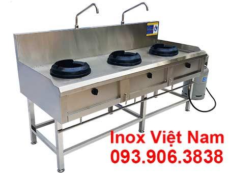 Bếp công nghiệp inox 3 họng kiềng gang, bếp inox công nghiệp giá tốt tại Inox Việt Nam.