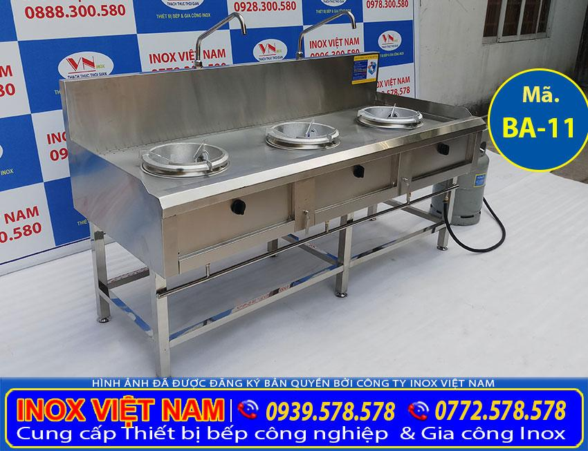 Bếp công nghiệp inox 3 họng đốt, là sản phẩm thiết bị bếp inox công nghiệp có 3 họng đốt giá tốt tại Inox Việt Nam.