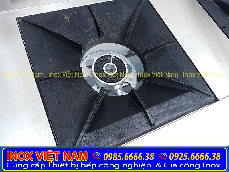 Bếp hầm công nghiệp loại 2 họng, là thiết bị bếp á công nghiệp, bếp inox công nghiệp được rất nhiều khách hàng tin chọn và mua tại xưởng của chúng tôi Inox Việt Nam.