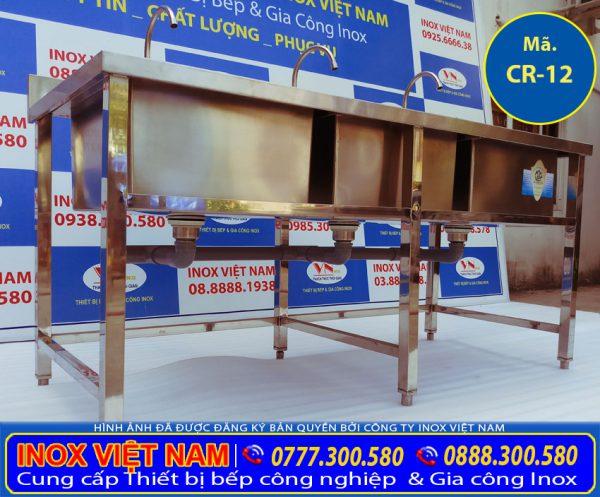 Bồn rửa chén nhà hàng 3 ngăn lớn, bồn rửa inox công nghiệp là sản phẩm chậu rửa inox 304 công nghiệp được IVN sản xuất đem ra thị trường.