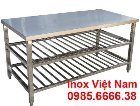 Bàn bếp inox 3 tầng có kệ song bên dưới giá xưởng Inox Việt Nam.