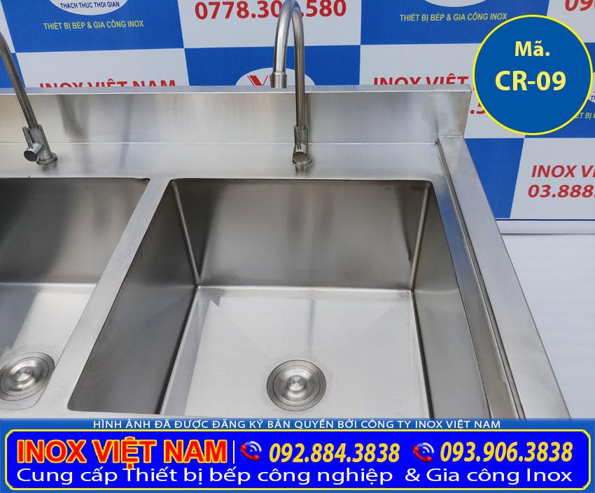 Bồn rửa công nghiệp 2 hố lớn, bồn rửa inox công nghiệp sản phẩm được ưu chuộng hiện nay.