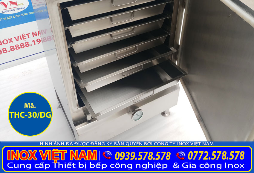 Cận cảnh chi tiết khay tủ hấp cơm công nghiệp bằng điện và gas 30kg giá tốt tại xưởng Inox Việt Nam.