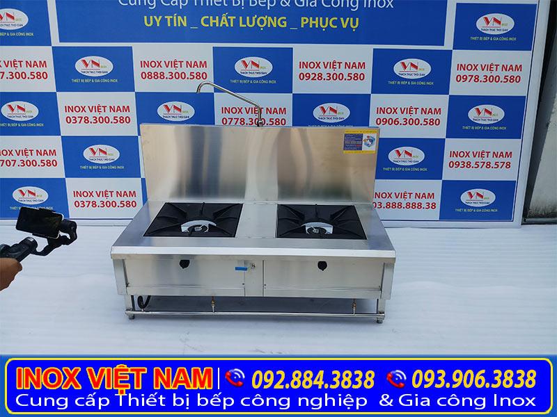 Mẫu bếp hầm đôi công nghiệp, bếp hầm công nghiệp 2 họng có gáy giá tốt tại xưởng sản xuất Inox Việt Nam. Liên hệ chúng tôi mua ngay.