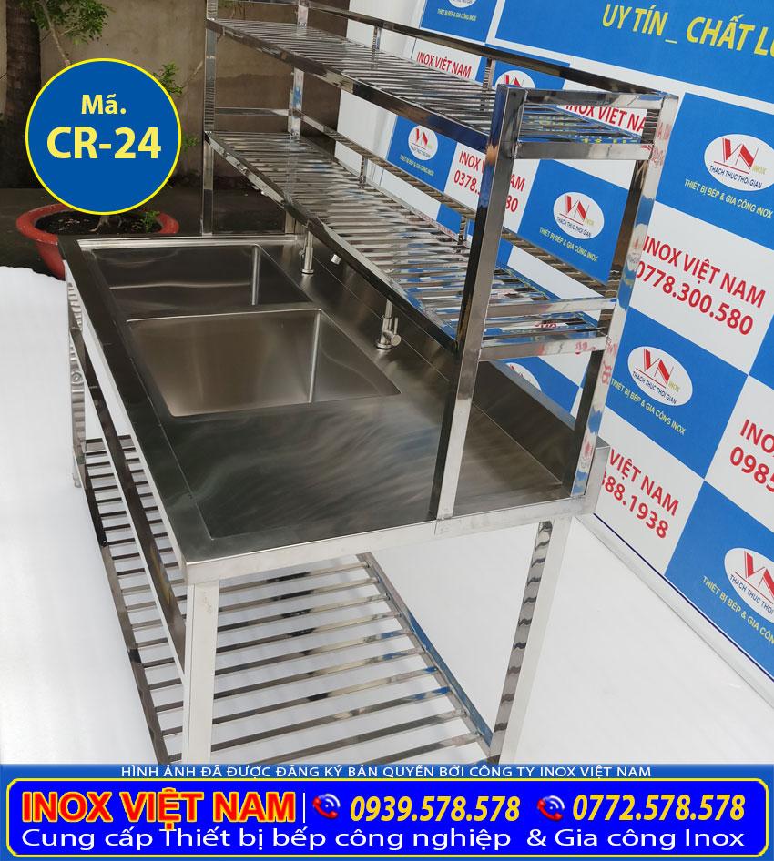 Báo giá chậu rửa 2 hộc lớn có kệ dưới kệ trên 2 tầng và bàn rửa cánh phải tại xưởng sản xuất Inox Việt Nam.