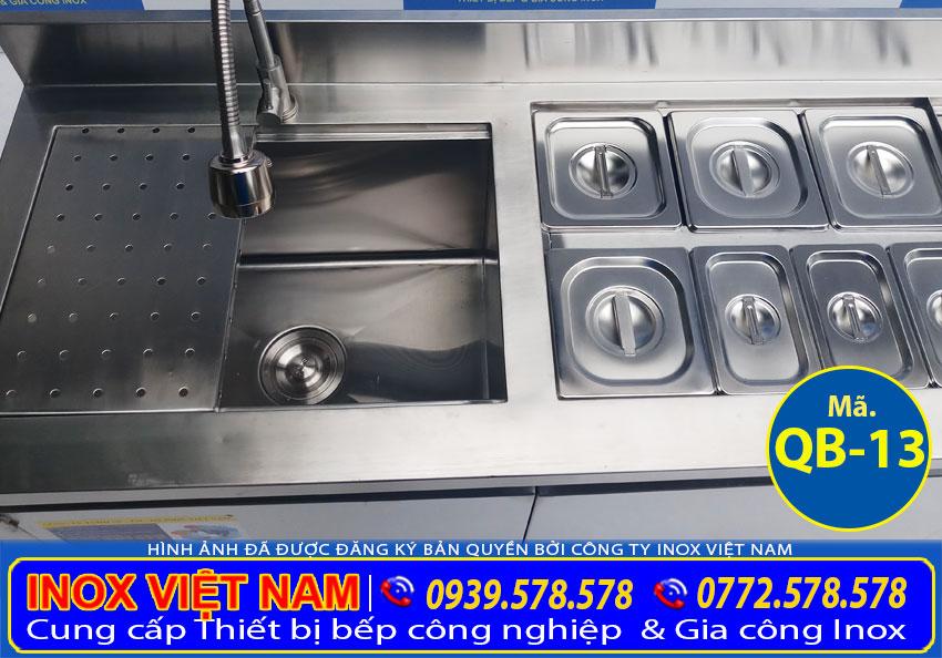 Quầy pha chế inox có khay topping cho quán trà sữa, quán cafe. Hãy mua tại Inox Việt Nam nhận ngay giá xưởng.