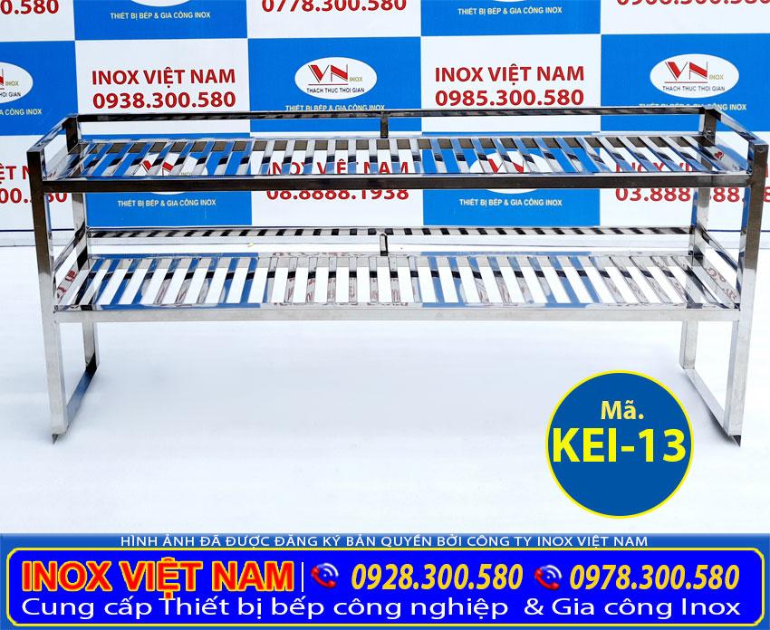 Kệ bếp inox 2 tầng gắn trên mặt bàn giá bao nhiêu? kệ inox úp chén mua ở đâu? Gọi điện Inox Việt Nam ngay.