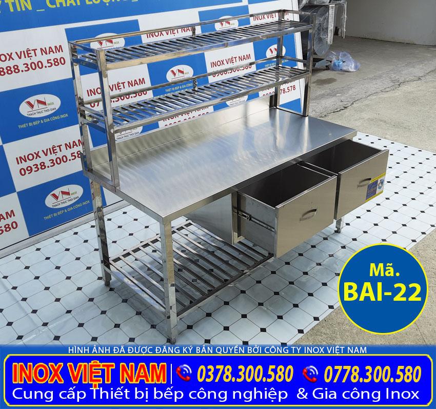 Địa chỉ Inox Việt Nam sản xuất bàn inox, bàn bếp inox tích hợp kệ và hộc tủ đẹp tiện ích đa năng giá tốt.