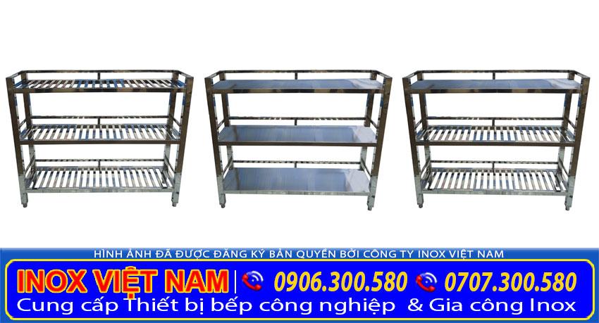 Mẫu kệ inox nhà bếp được Inox Việt Nam sản xuất có nhiều mẫu mã đa dạng tiện ích khi sử dụng thực tế.