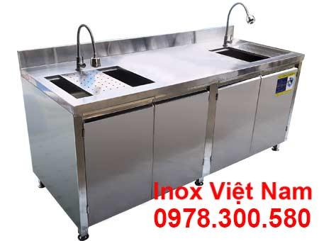 Tủ inox có bồn rửa chén bát dài 2 mét