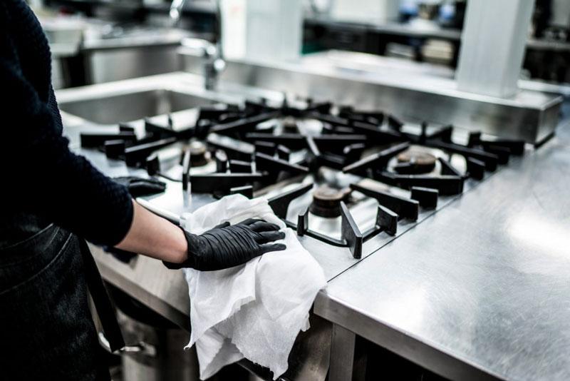 Bảo quản bếp âu berjaya chính hãng, lau chùi thường xuyên để giúp tăng tuổi thọ của sản phẩm.